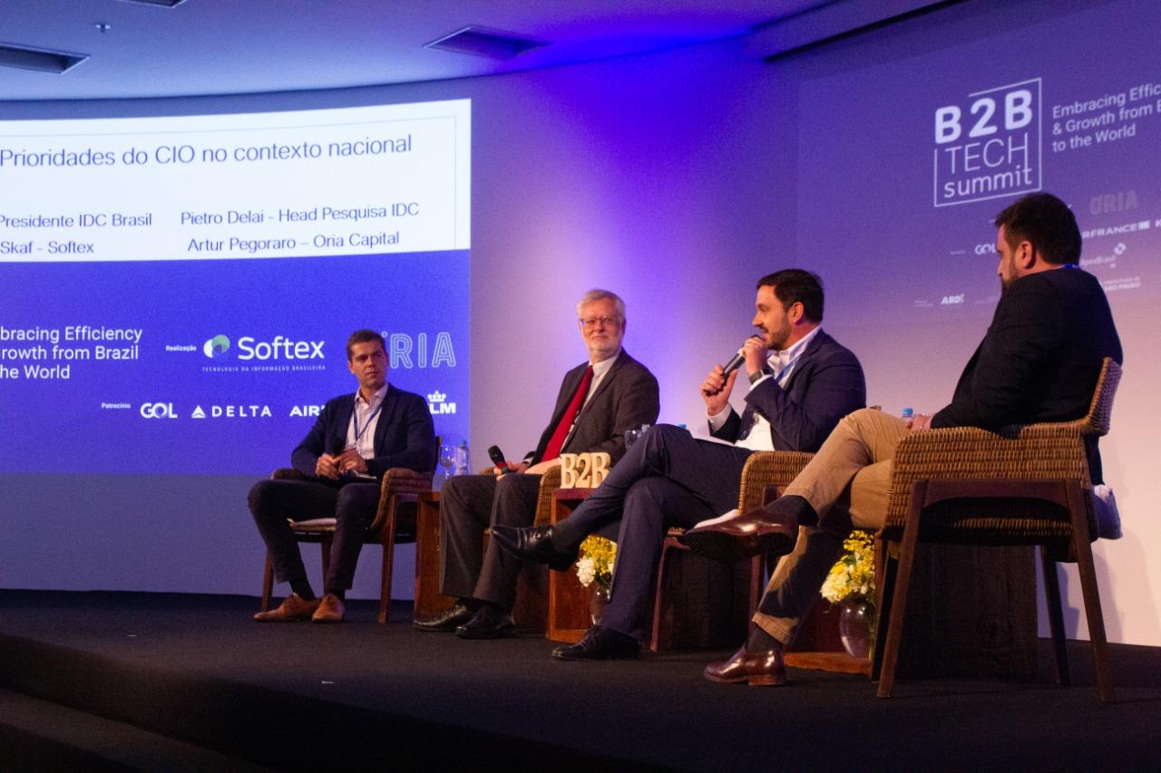 B2B Tech Summit debate adoção de tecnologia para internacionalização de empresas