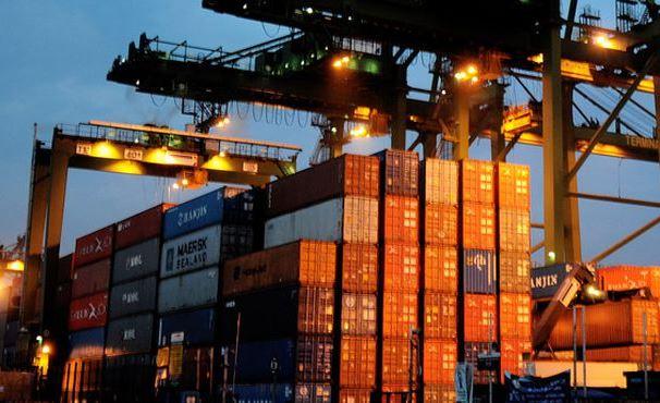 Exportar e atrair investimentos para reagir